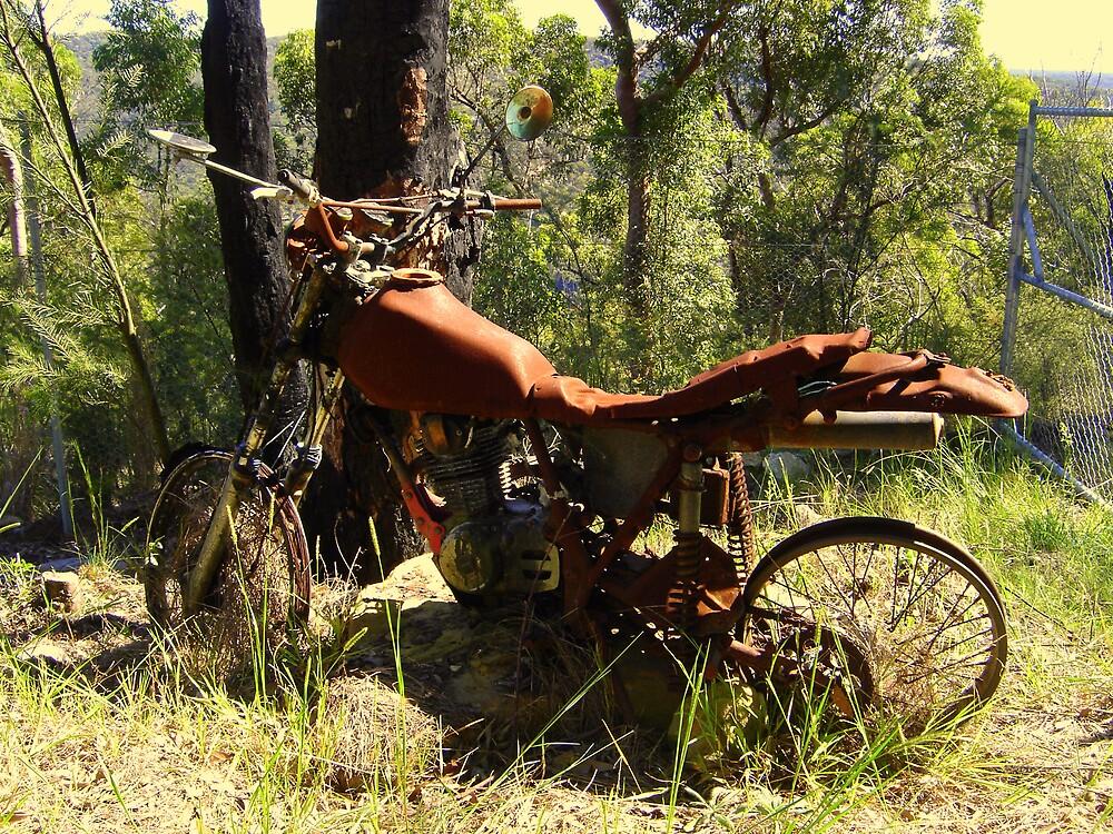 Rusty Motor bike, Cowan, NSW by markor