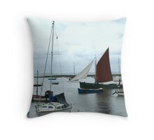 OLD LEIGH - FISHING SMACK Throw Pillow