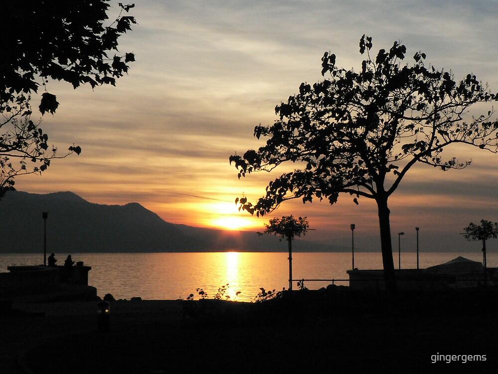 Lake Geneva at sunset by gingergems