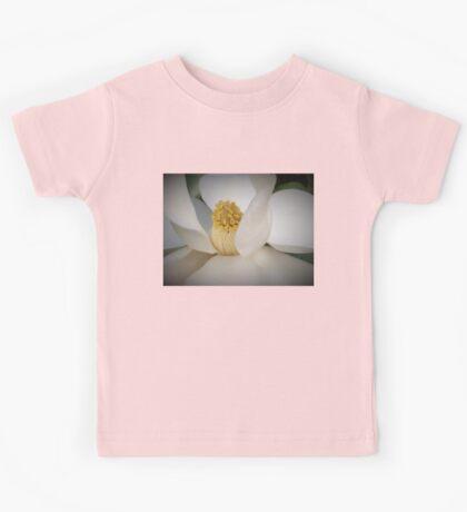 Magnolia macro Kids Tee