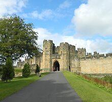 Alnwick Castle  by chrystalpearson