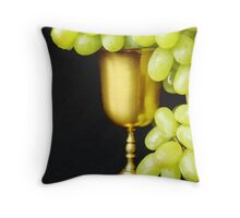 Grapes in a cup Throw Pillow