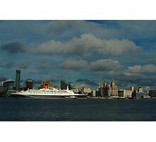 THE QE2 VISITS LIVERPOOL FOR THE LAST TIME-2 Photographic Print