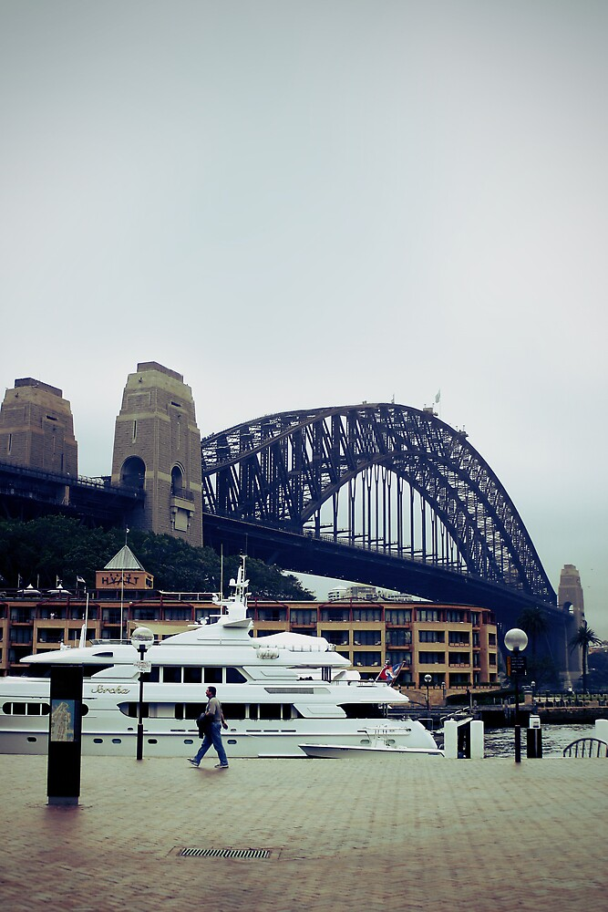Sydney Harbour by Phoonaz