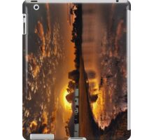 Reflecting sun iPad Case/Skin