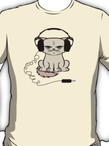 Grumpy Looking Cat With Headphones T-Shirt