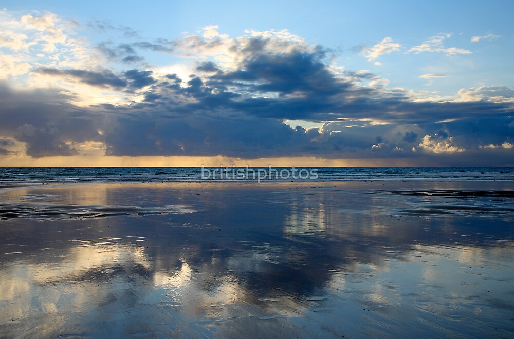 Cloud reflections. by britishphotos