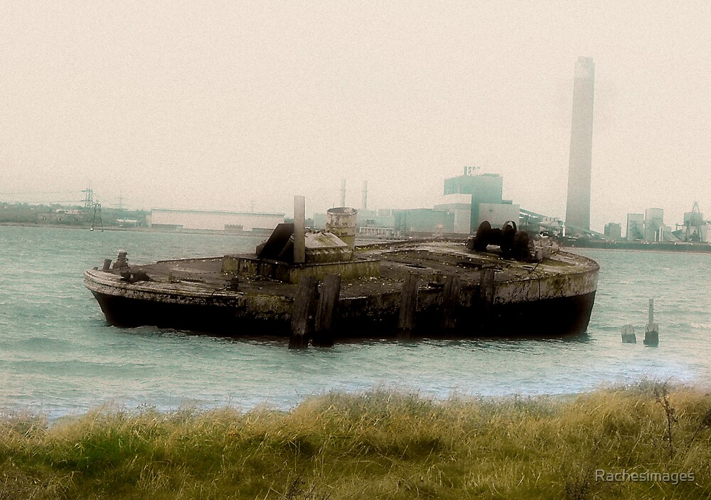 Boat wreck by Rachesimages