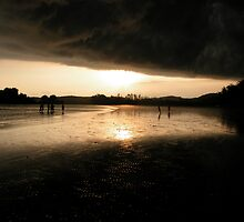 Approaching Storm by maispice