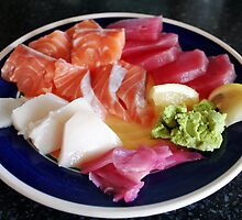 Plate of sashimi by kgtoh