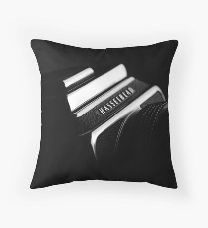 hasselblad 500 c/m Throw Pillow