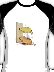 pikachu and raichu in a plug lol T-Shirt