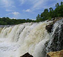 Beautiful waterfall by thethreeamigos777