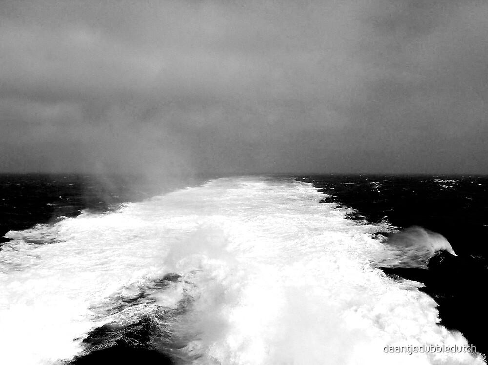 waves by daantjedubbledutch