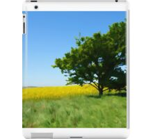 Solitary lonely tree on a hill  iPad Case/Skin