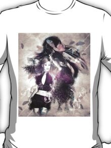 Girl with ravens manipulation 2 T-Shirt