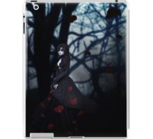 Gothic girl with rose petals 2 iPad Case/Skin