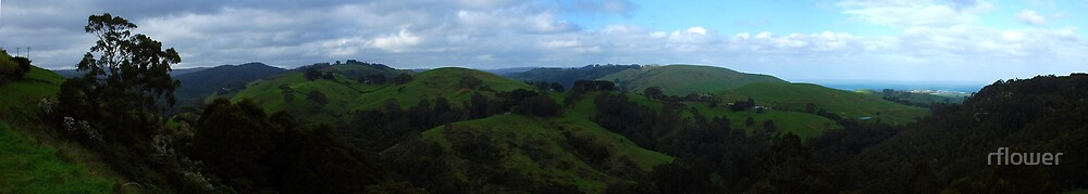 Panorama over Apollo Bay by rflower