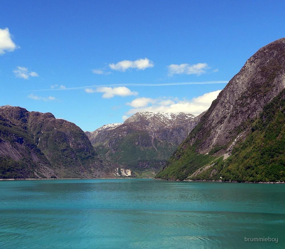 Hardangerfjord by brummieboy