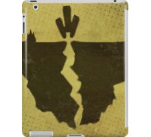 Misfits-Style Halftone Grunge Earthquake Icon iPad Case/Skin