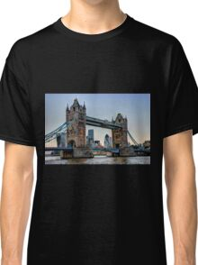 Tower Bridge And The City 2 - HDR Classic T-Shirt