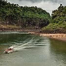 Iguaza River - load the boat by photograham