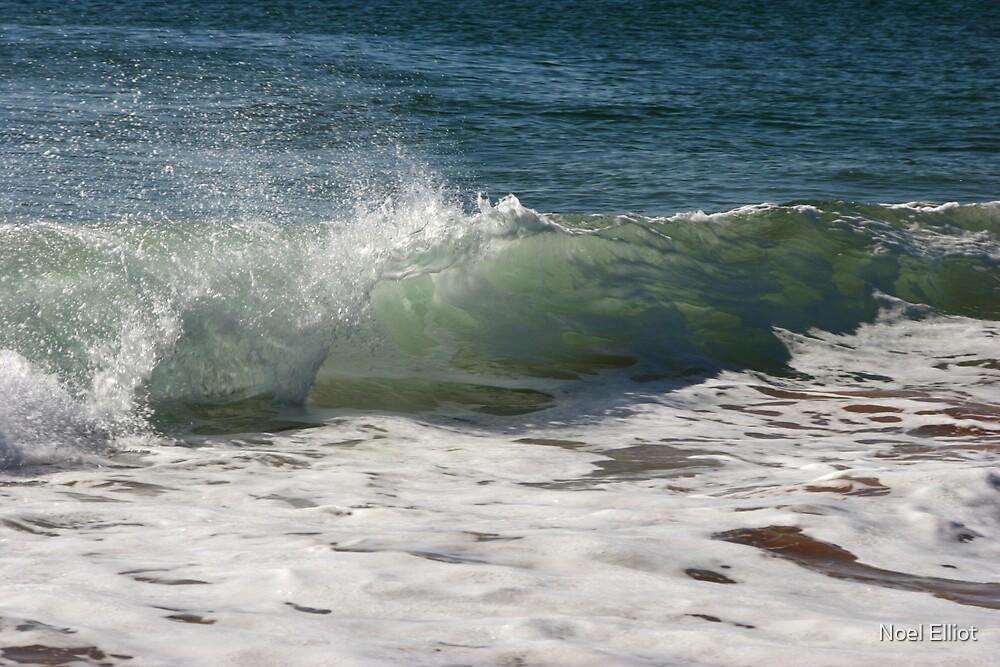 Wavebreak #3 by Noel Elliot