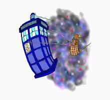 Dalek hitching a ride on the Tardis Unisex T-Shirt