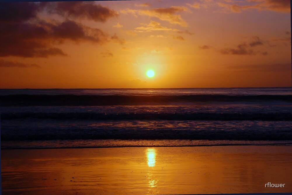 Sunrise over the Ocean by rflower