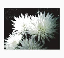Snow Flower black and white chrysanthemum photography art Kids Clothes