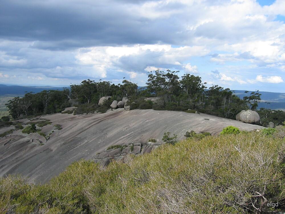 Bolder's rocks NSW by elgd