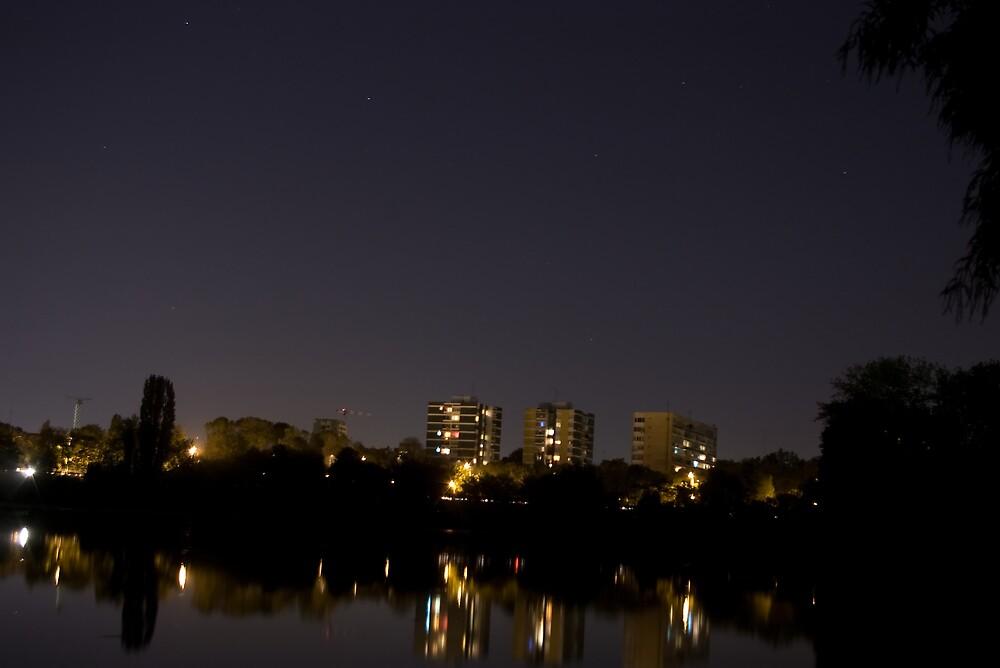 City by night by ictin