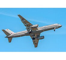 Boeing 757-2K2 NZ7572 of 40 Sqn RNZAF Photographic Print