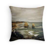 Twelve Apostles at Gibsons Beach, Great Ocean Road, Victoria Throw Pillow