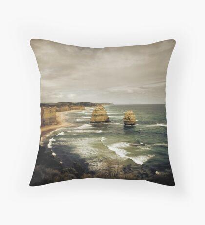 Twelve Apostles at Gibsons Beach, Great Ocean Road, Victoria Throw Pillow