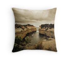 Loch Ard Gorge, Great Ocean Road, Victoria Throw Pillow