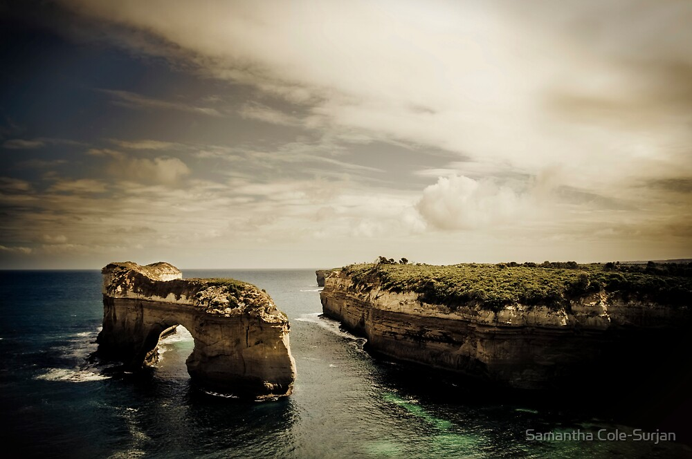 Natural Arch, Great Ocean Road, Victoria by Samantha Cole-Surjan