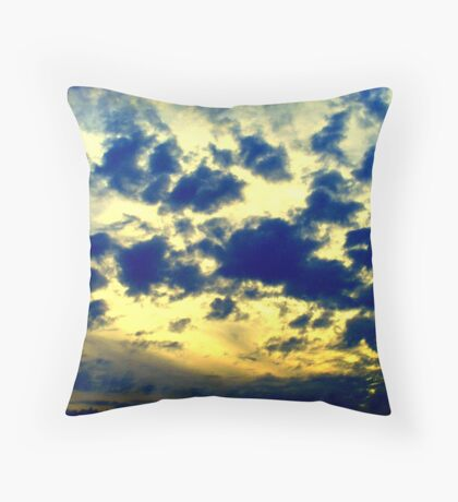 falling in the sky  Throw Pillow