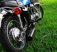 My ol' cafe bike... by modernmuseum