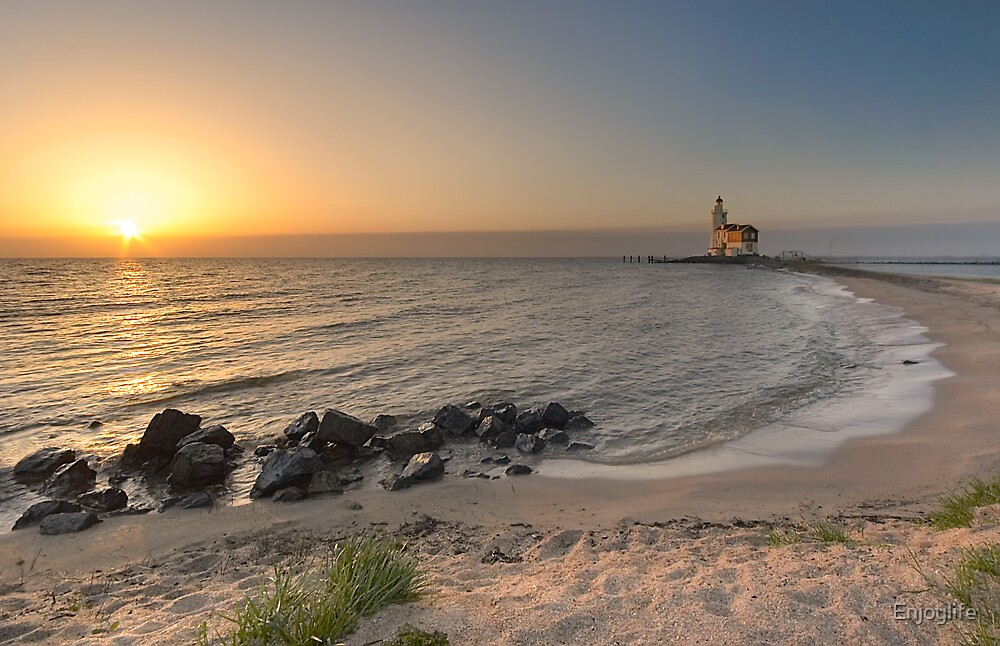 A lighthouse early in the morning by Enjoylife