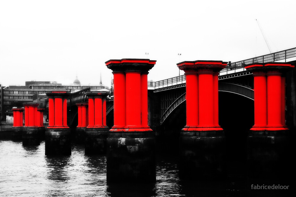 Reds on Thames by fabricedeloor