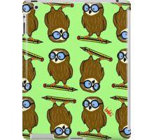 Wise old owl Pattern iPad Case/Skin