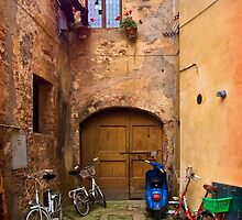 Lunchtime in Pienza Italy by SpikeFlutie