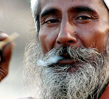 sadhu smoking by sujansingh
