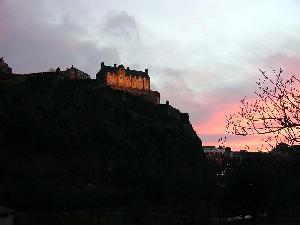 Edinburgh Castle by LizzyM
