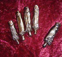 Pandora's Box-Sculpture Fingers by tonimay