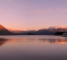 Lake Wanaka Sunrise by petejsmith