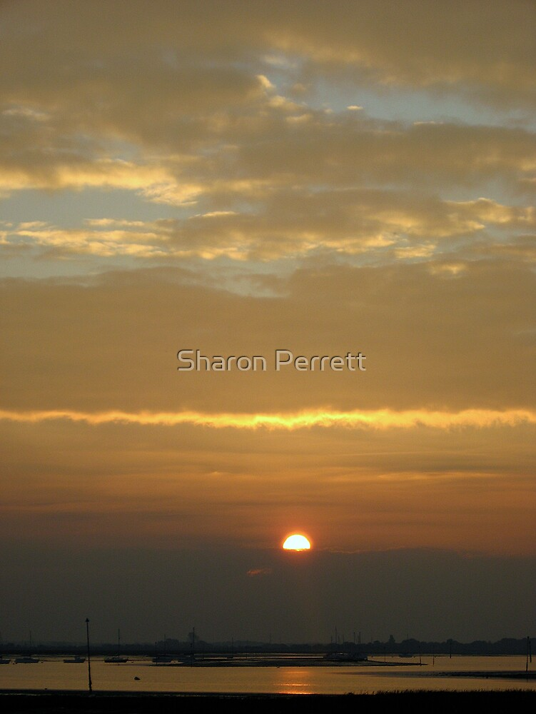 Sunrise (3) 27-10-07 by Sharon Perrett