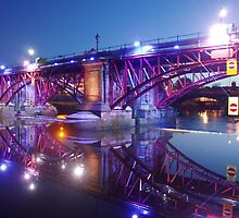 Clyde Bridge at Night by Applecat