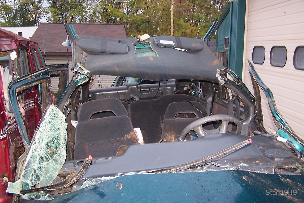 vehicle wrecked by Starr1949